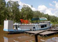 Rimba_lodge_boat